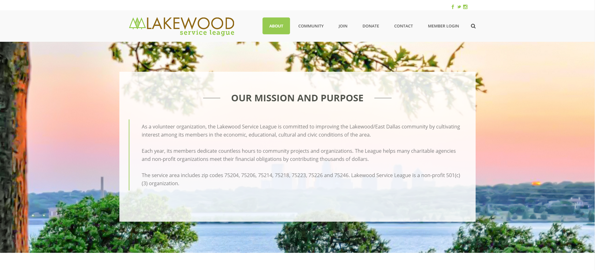 The Lakewood Service League has included a navigation bar at the top of their page. The bar is featured in a contrasting color so that it's easily distinguishable from the rest of the website.
